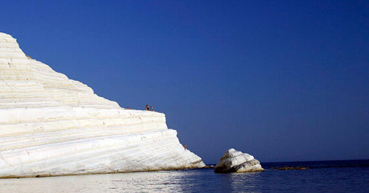 Le 15 spiagge più belle d'Italia dove fare un bagno almeno una volta nella vita