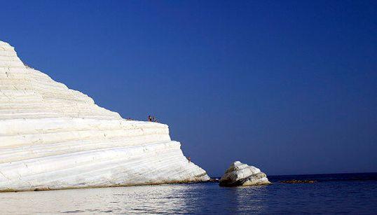 Le 15 spiagge più belle d'Italia dove fare un bagno almeno una volta nella