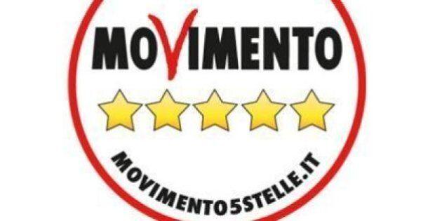 Beppe Grillo si tira fuori dal simbolo M5s, il suo nome non è più nel