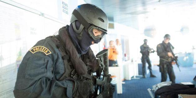 Sicurezza, il piano del governo: poteri e garanzie degli 007 per Nocs e Gis, le forze speciali di polizia...