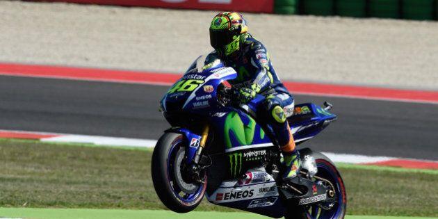 Moto Gp, Valentino Rossi secondo nel gran premio del Giappone. Vince Pedrosa, il Dottore guadagna 4 punti...