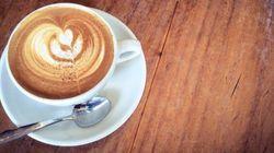 Caffè pagato in cambio di una poesia. Una ragione in più per festeggiare