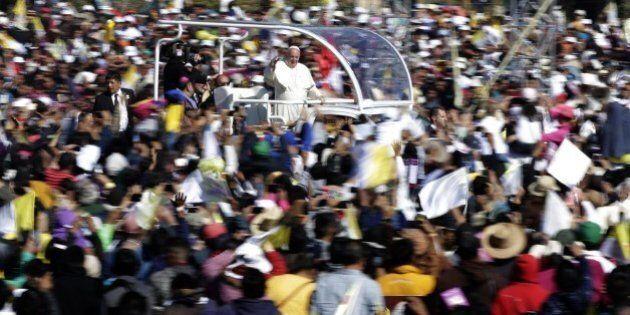 Papa Francesco in Messico, 48 ore nelle terre dei narcos. E dopo il giorno del perdono arriva quello...