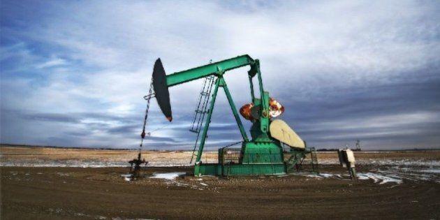 Petrolio, accordo fra Russia, Arabia Saudita, Venezuela e Qatar per congelare la produzione ai livelli...