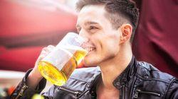 Disposti a girare il mondo e bere birra per tutta l'estate? L'azienda vi paga quasi 11mila