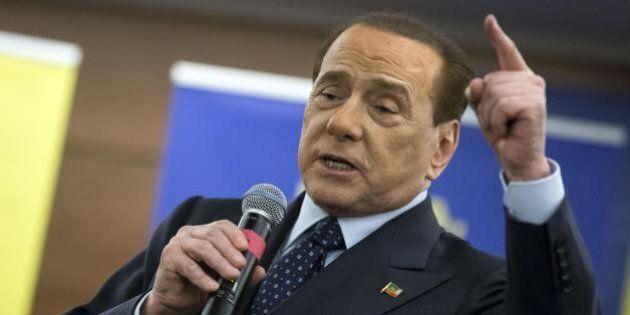 Silvio Berlusconi contro i Cinque Stelle:
