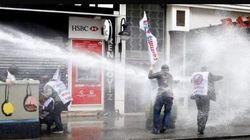 Primo maggio illegale a Istanbul: un morto. A Parigi scontri per il Jobs