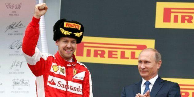 Lewis Hamilton vince il Gran premio di Russia. Vladimir Putin si congratula col pilota della