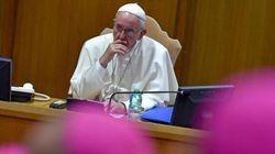L'attacco a Francesco: la lettera dei tredici (e non