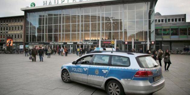 Capodanno a Colonia, il governo accusa la polizia di inefficienza. La sindaca: