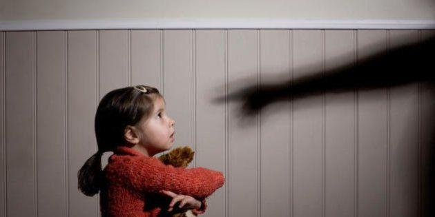 6 segnali che indicano che siete stati cresciuti da un genitore narcisista