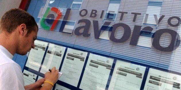 Istat, a novembre giù la disoccupazione: è il minimo da tre anni. Crescono gli occupati permanenti, calano...