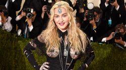 Non farci caso, Madonna: la società vuole che le donne più attempate siano invisibili e poco