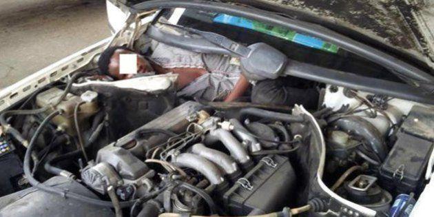 Ceuta: migrante nascosto nel motore di una macchina