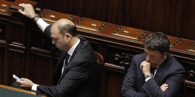 Si apre un nuovo scontro. Alfano dice 'no' all'abolizione del reato di immigrazione clandestina. Renzi:...