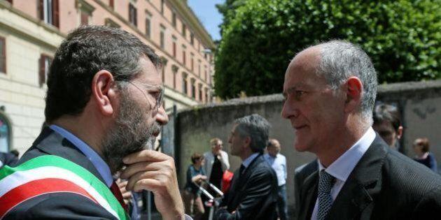 Franco Gabrielli, il prefetto-sceriffo prende le redini di Roma. Dall'immigrazione alla corruzione, tutti...