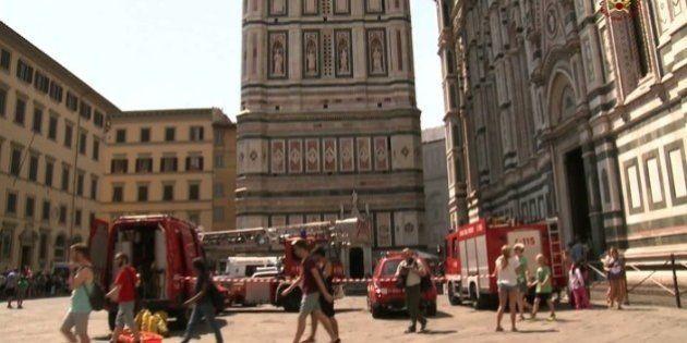 Malore sul campanile di Giotto: turista di 120 chili portato giù dai
