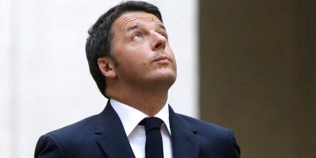 Italian President Matteo Renzi waits for the arrival of Ukrainian President Petro Poroshenko at Chigi...