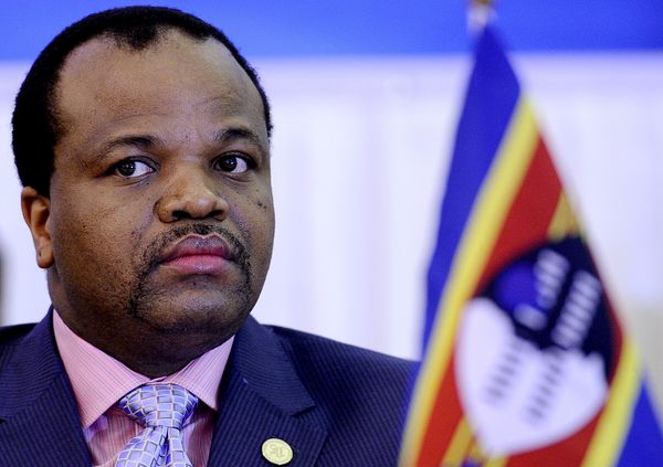 "Swaziland's king is believed to own <a href=""http://www.forbes.com/2009/06/17/monarchs-wealth-scandal-business-billionaires-r"