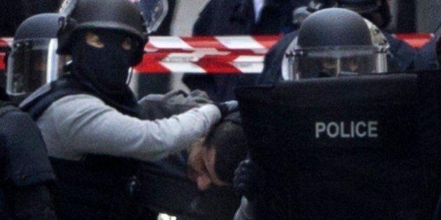 Strage Parigi, ritrovato terzo corpo dopo blitz Saint-Denis: è quello di Hasna. Resta un corpo da identificare