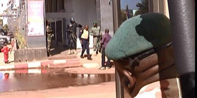 Mali, attacco hotel Radisson a Bamako. Rivendicano i jihadisti di al Mourabitoun. Un'altra vendetta contro
