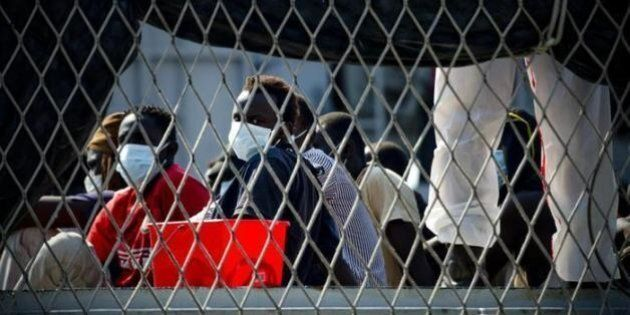 Gli altri, i migranti. Problemi o risorse? No, semplicemente