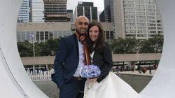 Cancellano il matrimonio da sogno per aiutare una famiglia di rifugiati