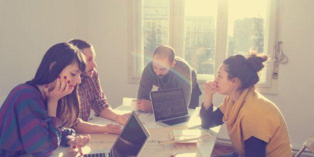 Felici sul lavoro nonostante il burnout? Si può. Con queste 4 regole
