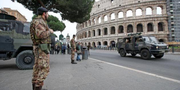 Terrorismo, la paura contagia il turismo. Boom di cancellazioni a Pasqua. A Roma 20 mila turisti in meno...