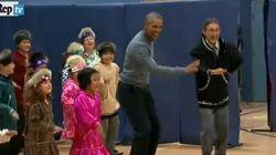 Obama balla con i bambini in