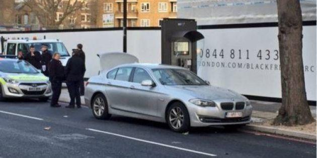 Londra, auto con targa belga: polizia arresta 3 persone ed evacua una strada vicino a Westminster