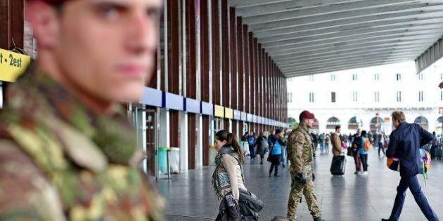 Roma Termini, algerino arrestato in stazione. Aveva falsi documenti