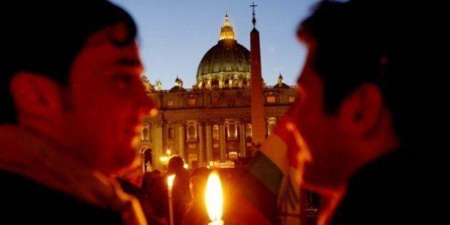 Mentre il Papa invita al rispetto, gli hacker distruggono la voce dei gay