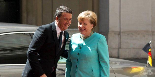 Matteo Renzi incontra Angela Merkel. Il premier sui migranti: