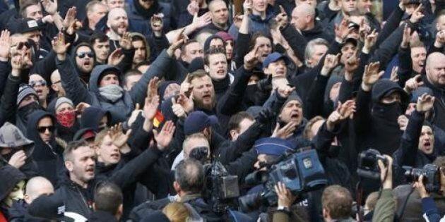Bruxelles, neonazisti in piazza video nonostante lo stop alla manifestazione. Scontri con la