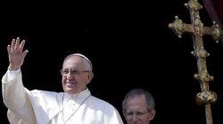 Dalla guerra mondiale a pezzi alla guerra tra mondi: la Pasqua 2016 di Papa