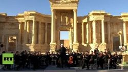 Pray for Palmyra. L'orchestra sinfonica del teatro Mariinsky in concerto a