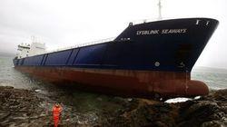 Beve mezzo litro di rum e porta la sua nave a tutta velocità contro la