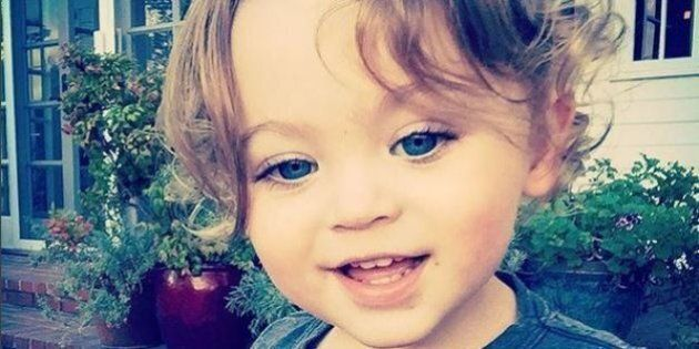 Bodhi, Megan Fox pubblica su Instagram la foto del secondo figlio. Riccioli biondi e occhi blu come la...