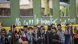I cittadini si organizzano: convoglio di auto da Vienna a Budapest per trasportare
