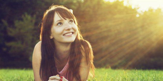Le persone con una vita sociale meno attiva potrebbero essere più felici. Se sono