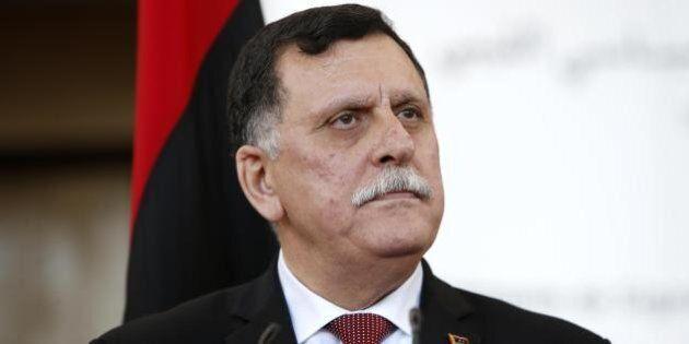 Libia, premier designato Fayez al Sarraj arrivato a Tripoli via mare. Nella base navale la sede temporanea...