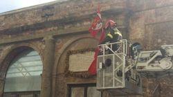 Restauro le mura in rovina del Teatro dove nacque il Pci, metafora dello stato in cui versa la