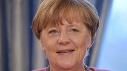 Merkel in difficoltà: il suo partito raccoglie firme per chiudere le