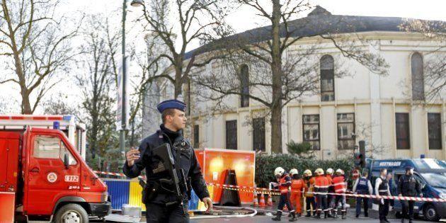 Strage Parigi, allerta in Belgio: nuovo blitz a Auvelais. A Berlino arrestati due