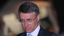 Anche Cantone contro Renzi sull'aumento del tetto per il contante: