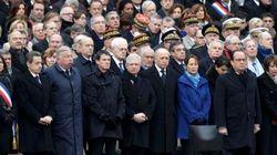 Parigi ricorda le vittime degli attacchi del 13 novembre (DIRETTA