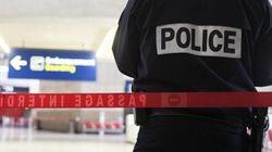 Bimbo di 8 anni bloccato da 11 giorni all'aeroporto di
