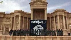 Orrore a Palmira. Trovata fossa comune con 42 corpi. Cadaveri di donne e bimbi decapitati
