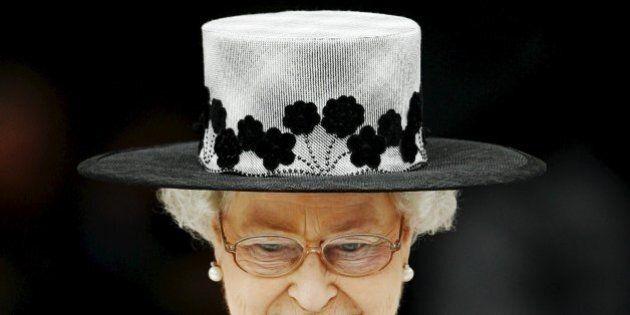 Regina Elisabetta II, è suo il regno più longevo della Gran Bretagna. E gli inglesi la scelgono come...